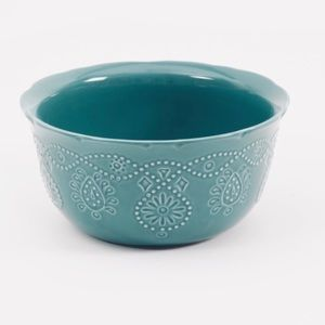 Pioneer Woman Cowgirl lace bowl in teal!